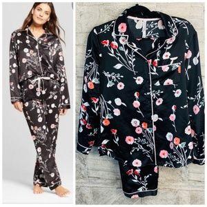 Gilligan & O'Malley Pajama Set Size S Black Floral
